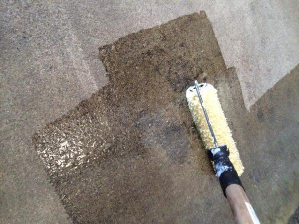 Грунтовка бетонной стены перед покраской
